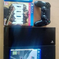 Ps4 with 3 games and one controller.