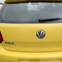 A Vw polo 1.4 trendline, 2010 Model, 91000km, white in yellow, 4-doors, factory a/c, c/d player, cen