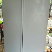 Defy 640L fridge/freezer combination