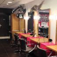 Salon Space To Rent