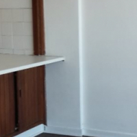 Hillbrow open plan bachelor flat to let on R1600 pre-paid electricity