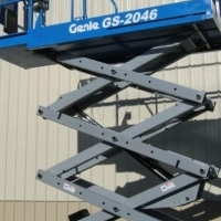 CHERRY PICKERS - GENIE GS2046 8.10M ELECTRIC SCISSOR LIFT FOR SALE