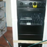 Brand new Defy 4 plate gas stove with oven R2300