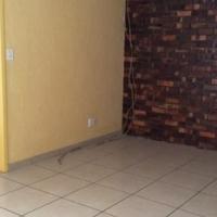 Kensington 3bedrooms, bathroom, kitchen, lounge, apartment R7200 massive flat