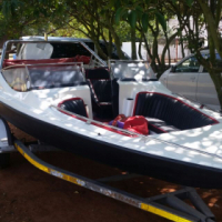 Very  fast bow rider speedboat with 175 Johnson in excellent condition