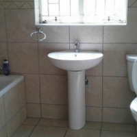 Westdene near Kingsway Campus (APK) tranquli, clean, secure Singe Room R2800 & sharing R2200