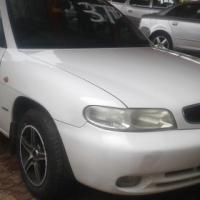 1999 Daewoo Nubira CDX