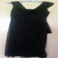 Beautiful and flexible black shoulder dress - size 16