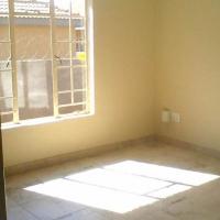 Rustenburg  Woodridge 2 bedroom incld water