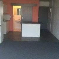Westdene bachelor flat to rent