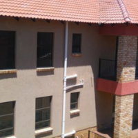 Two bedroom  townhouse to share in Roodepoort