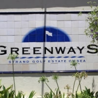Delightful and Sunny 3 bedroom apartment in Greenways, Strand