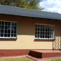 2 Beds simplex situated in Fairland - Occupy 1 May! Regret no pets! R 7,000