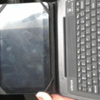 citrus tablet with wireless keyboard and two protective covers