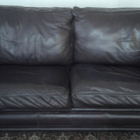 Leather couches, full-grain leather in Oxblood colour. Good condition.