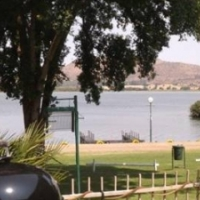 Holiday weekend getaway on the water - Hartbeespoort dam - secure fully furnished in boat club