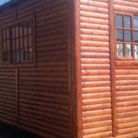 2 BED LOG CABINS, WENDY HOUSES, TOOLSHED AVAILABLE