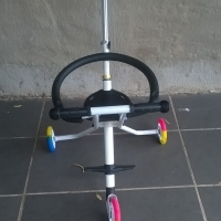 3 Wheel scooter (stroler) new !!