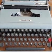 Olivetti Lettera 22 typewriter, serviced