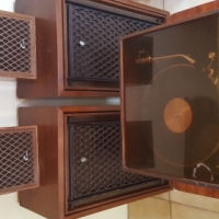 Vintage Sansui/Akai Speakers and Turntable
