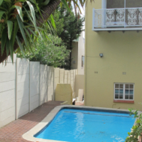 Oranjezicht Townhouse ~ Furnished 2 bed, 2 bath + pool + parking