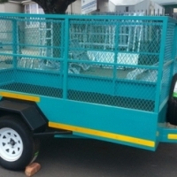 UTILITY TRAILER WITH MESH.