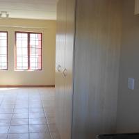 Bachelors Flat in La Mon Villa Montana