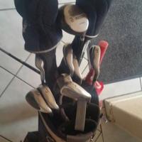 Complete golfing set.