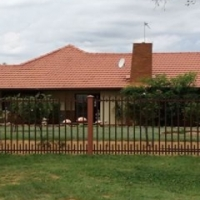 SPACIOUS FAMILY HOUSE WAITING FOR YOU