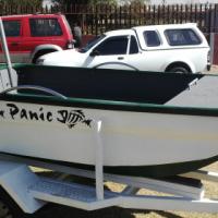 Bass boat R7500