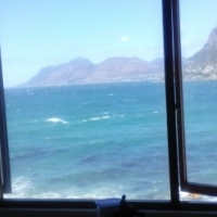 Bachelor, Full Sea view, W + E Included: KalkBay