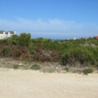 Vacant land with sea views in Stuisbaai