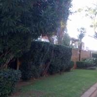 3 bed townhouse, 1 outside bed/bath, pvt gnd: Fairland near Cresta, Northcliff, Berario, Linden
