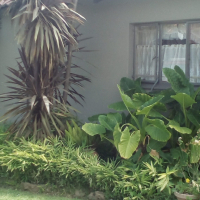 Spacious 2 bedroom townhouse for sale located in Fauna in Bloemfontein.  Own little garden.