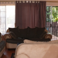 GEM CENTRALLY SITUATED IN ESTABLISHED ROOIHUISKRAAL AREA