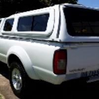 Nissan Hardbody NP300 2.4i Risedbody