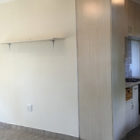 Bramley Garden Cottage. Lounge, kitchen, bedbroom en suite. secure parking R4000