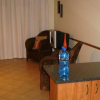 NORTHGATE. For single stunning. 1 bed, furn. R3 800 pm incl W/L.