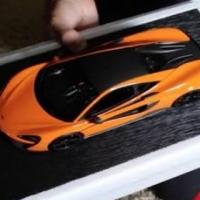 1:18 McLaren model car