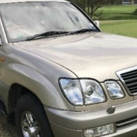 Toyota Land Cruiser 100 VX 4.6 4x4 V8 AT