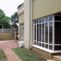 Lovely family home with spacious flatlet for sale in East Lynne, Pretoria Moot area.