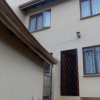 3 Bedroom, 2 Bath (MES), Fully Fitted Kitchen, Garden & Garage.