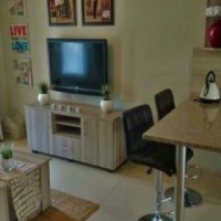 Modern, secure and conveniently located 2 bedroomed apartment in Waverely Pretoria Moot
