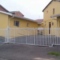 Looking for tenant main building westcliff chatsworth