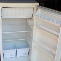 Large Bar Fridge Fridgemaster 200L 1100mm in good working condition. R1800 neg.