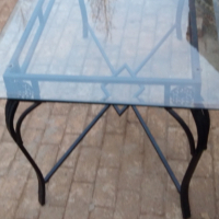 6 seater glass table with steel stand