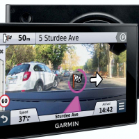 GARMIN Nuvicam LMT 6 Inch GPS with Build-In Dash cam