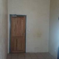 Braamfontein room to let for R1150 max 2 people allowed