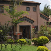 Fully Furnished, Self Catering, 2 Bedroom Duplex in Equestria, Pretoria
