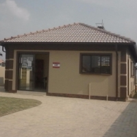 New houses in Modderbee and Crystal Park For sale